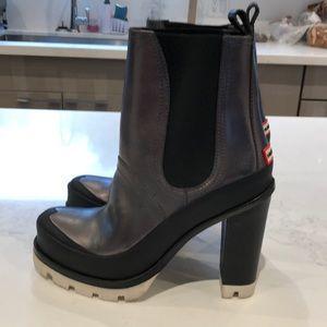 Hunter Shoes - HUNTER/ Black/ Pewter/white Soles/ Size  91/2